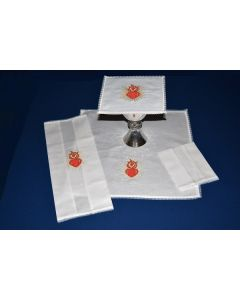 Lace Edged Mass Linen with Sacred Heart